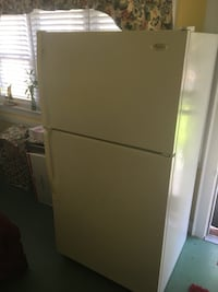 Whirlpool refrigerator with ice maker Norfolk, 23509