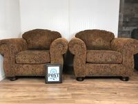 2 matching oversized chairs  Canby, 97013