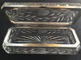 Vintage tulip pattern crystal dressing table box