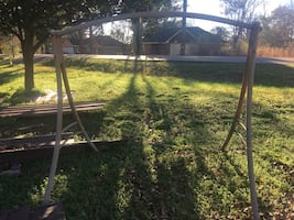 Bench Swing Metal Frame/--Good Condition