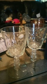 two clear glass candle holders Waco, 76705