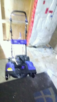 Snowblowers 2 Blue new never used 2 available Kitchener, N2E 1J1