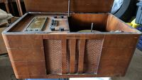 Antique Vintage Tube Radio and Record Player Northern Electric Toronto