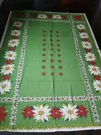Vintage Christmas tablecloth with napkins Skokie