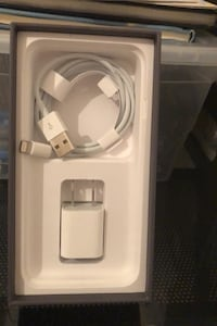 iPhone 8 charger Mississauga, L5B