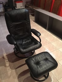 Leather recliner with ottoman 558 km