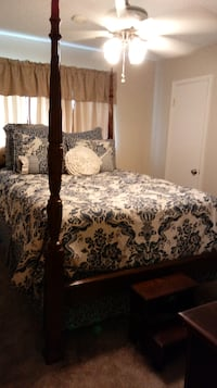 Queen size rice bedroom suite  Pearland