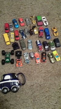Hot wheels and other items Rainsville, 35986