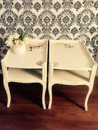 White wooden 2-tier side table Coquitlam, V3J 3X6