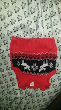 red and white knitted textile Van Buren, 72956