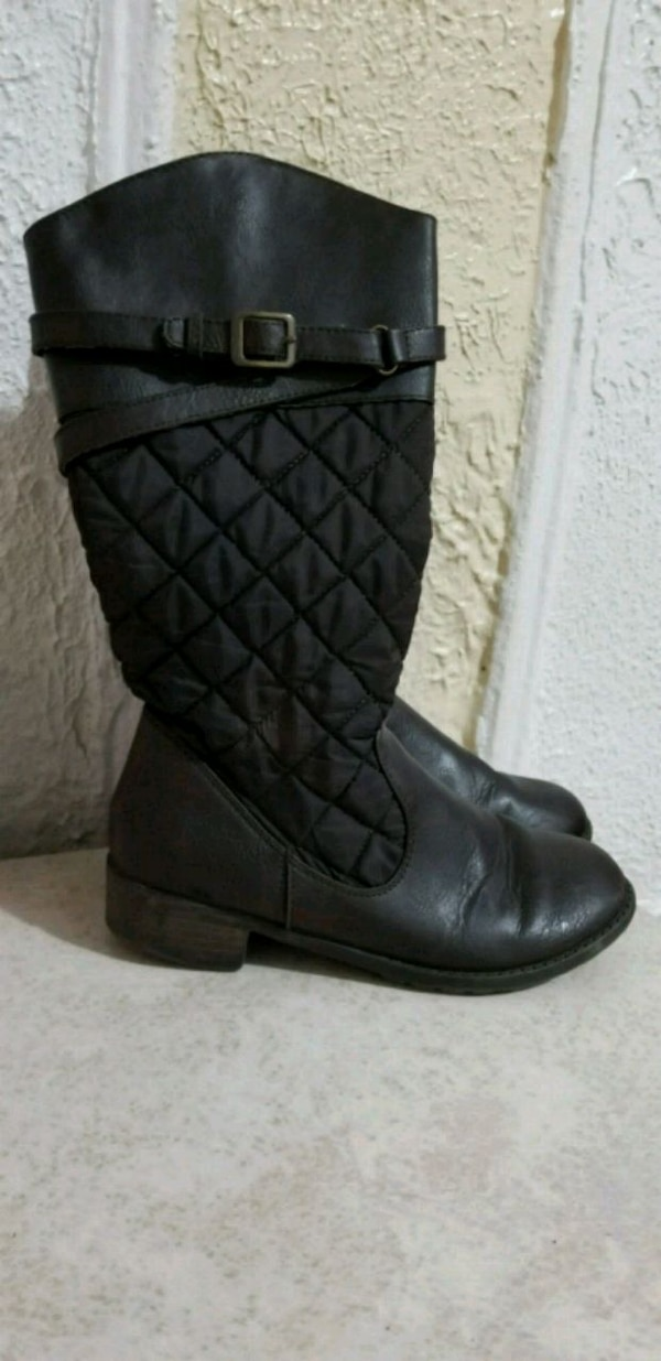 ccfcb4665c43 Used Girls boots leather size 4 for sale in Elizabeth - letgo