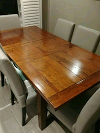 Harvest table and chairs with one leaf Brampton, L6V 3X1