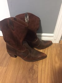 America leather women's boots size 8 New Westminster