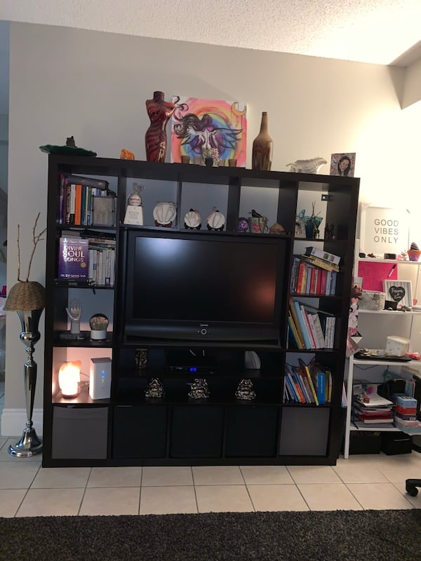 Multi storage tv stand! Comes with 5 storage bins shown at bottom b5489c33-db62-454e-bfbe-7a2b4104bc47