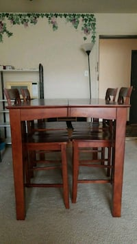Wooden dining table & 4 chairs Washington, 20037