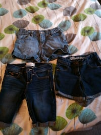 Girls denim shorts size 7 London, N5Z 4Z1