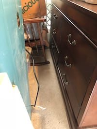 Dresser and mirror FREE NEED IT GONE ASAP Hopatcong, 07843