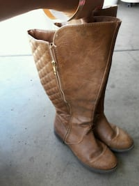 pair of brown leather knee-high boots Winton, 95388