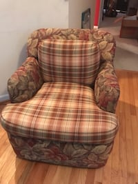 2 Swivel barrel chairs Germantown, 20874