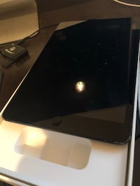 Black 1st generation iPad mini WiFi only 2063 mi