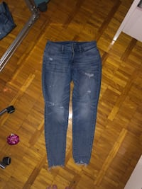 Large Maurices ripped jeans Kitchener, N2C 2H7