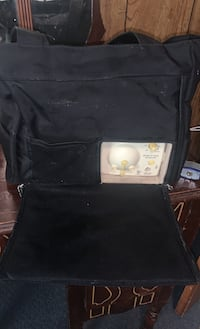 Medela breast pump and bag with accessories Huntsville, 35763