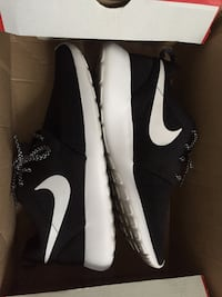 Women Roshe One Las Vegas, 89102