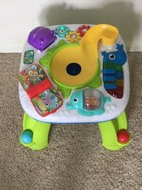 Baby's green and white activity table Stafford, 22554