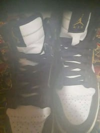 Shoes lakers