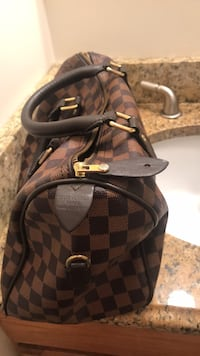 Louis Vuitton purse Laurel, 20707