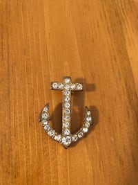gem anchor pendant