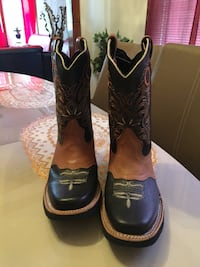 Boots for sale! - never been used before , sise 3 Cicero, 60804