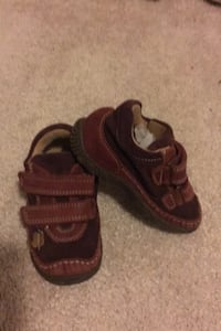 Toddler shoes/ size 23 Mississauga, L5A 0A7