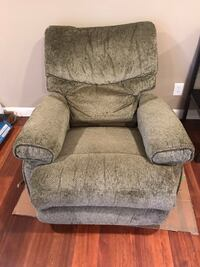 Light Green LazyBoy Recliner Woodbridge, 22192