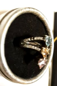 silver diamond studded ring in box Salaberry-de-Valleyfield, J6T 1P4