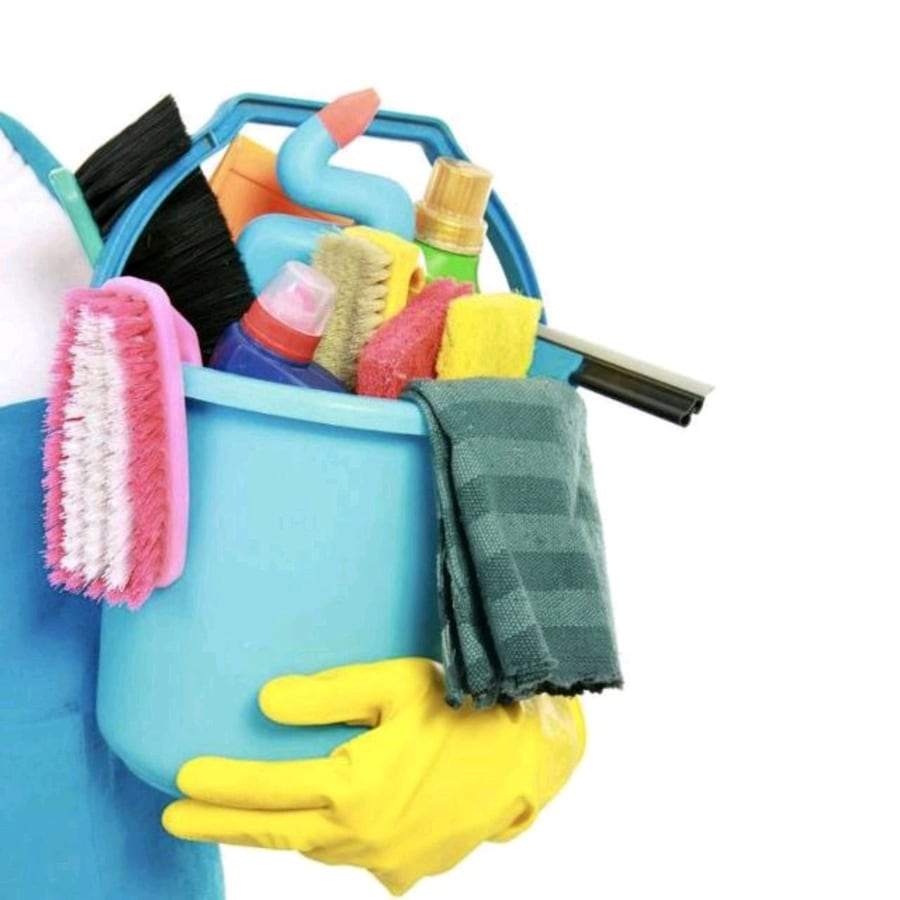 House cleaning ee1dd21c-a58f-4855-a02e-be5995dcbf2a