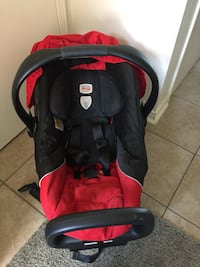 baby's black and red car seat carrier Richmond Hill, L4C 0M6