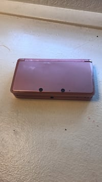 Pink 3ds with 3 games  Henderson, 89074