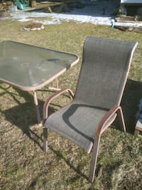 Patio Table with 4 chairs (delivery extra) Cambridge, N3C 1G7