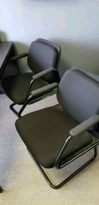 2 chaises de bureau, 2 office chairs Longueuil, J4G 1P1