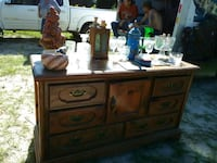 brown wooden dresser with mirror Youngstown, 32466