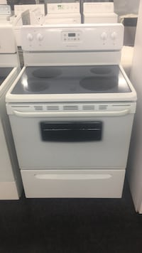 White induction range oven ON SALE!!! Toronto, M3J