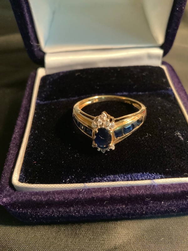 14kReal gold ring size 7