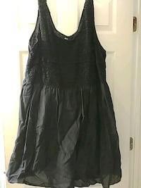 black scoop-neck sleeveless linen dress Bear, 19701