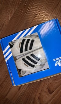 Adidas crib shoes