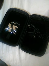 Pair hearing aids chargers and case Kennewick, 99337