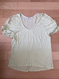 Aritzia Wilfred linen cold shoulder tee Burnaby, V5H 3R7
