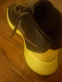 pair of yellow-and-black Nike running shoes Brentwood, 20722
