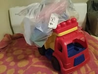 Kids Lego toy dump truck comes with Lego pieces