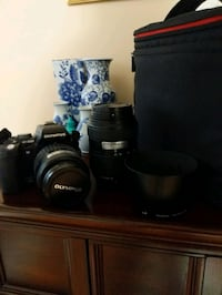 Olympus e-500 Micro Four-Thirds dSLR with 2 lenses, bag, charger,  2gb Toronto, M4J 2L1